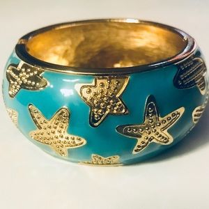 Jewelry - 🆕LISTING! Aqua resin and gold plated bangle